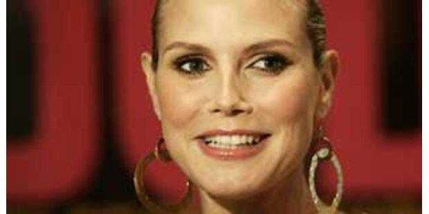 Britney zeigte Heidi, wie man Windeln wechselt