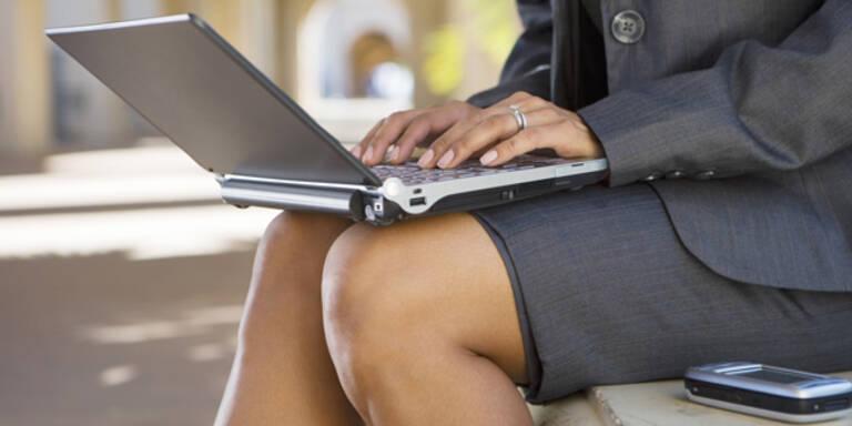 Knie, Büro, Arbeit, Computer, Laptop, tippen, Beine, Frau, Geschäftsfrau
