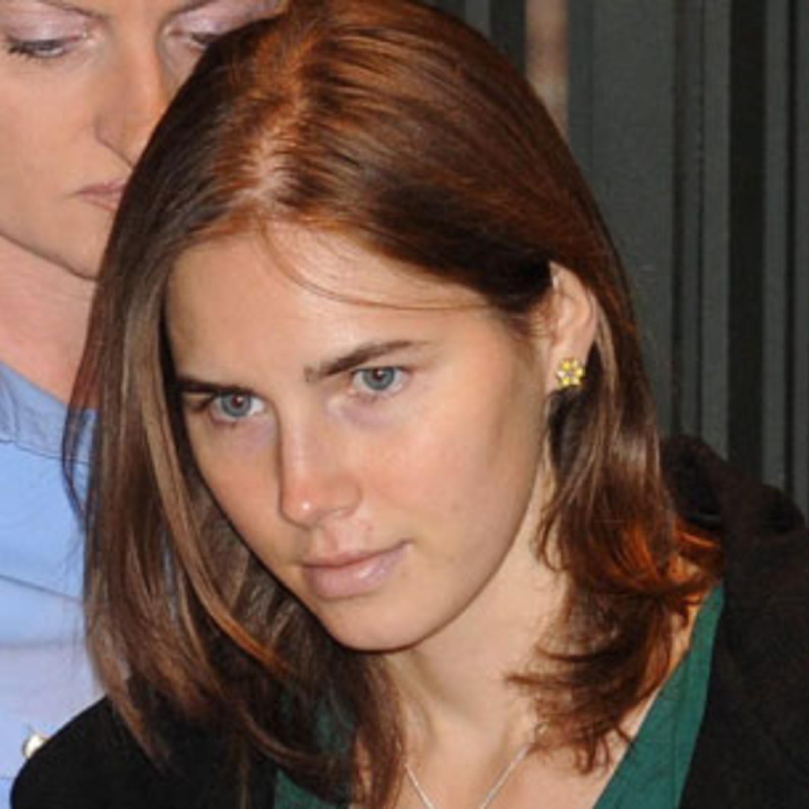 nackt Strand Amanda Amanda Holden