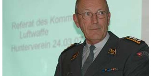Schweizer Luftwaffenchef Knutti tritt zurück