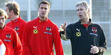 Kocian besucht Klubs im Trainingslager