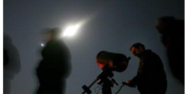 Riesen-Gaswolke macht Komet 17P/Holmes sichtbar