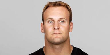 NFL-Star schwamm 16 h um sein Leben
