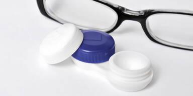 Gefährliche Keime im Kontaktlinsen-Behälter