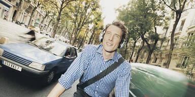 Kopfhörer im Straßenverkehr