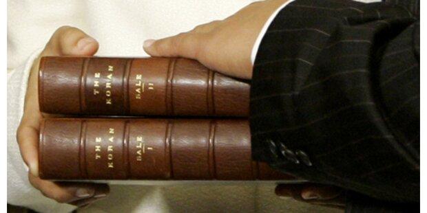 Erster Muslim legt Eid auf Koran ab