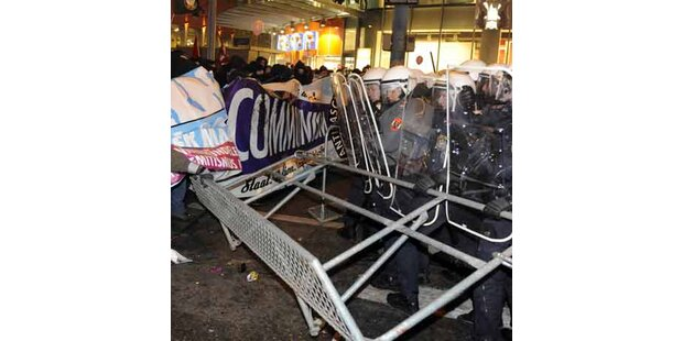 500 Demonstranten gegen Korporationsball