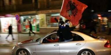Kosovo erklärt Unabhängigkeit von Serbien