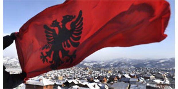 EU beginnt offiziellen Einsatz im Kosovo