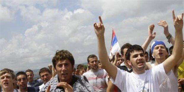 Bombe auf Serben - Toter und Verletzte