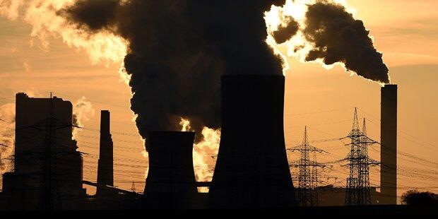 Tote bei Explosion in Kraftwerk befürchtet