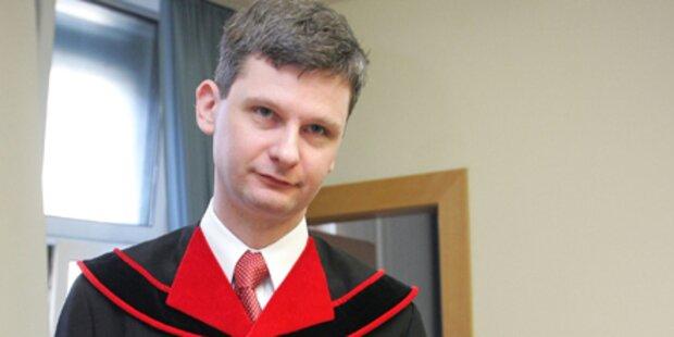 Krakow wechselt zu Anwaltskanzlei