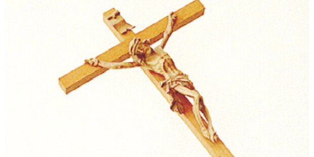 Protestaktion gegen umstrittenes Kreuz
