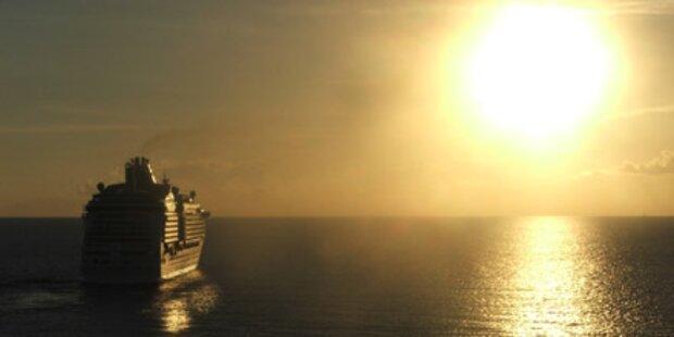 Kreuzfahrtschiff wird schwimmendes Hotel