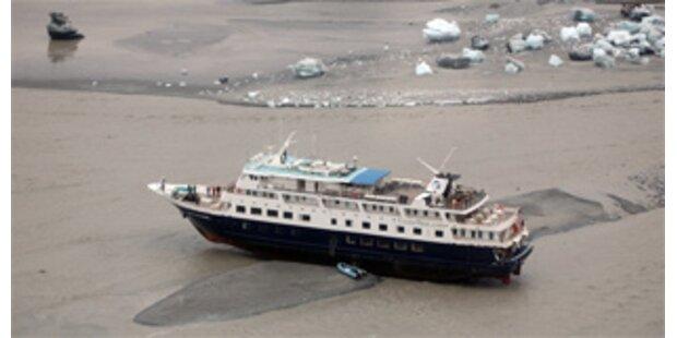 Kreuzfahrtschiff vor Alaska auf Grund gelaufen