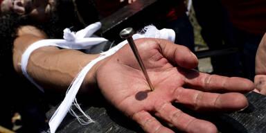 Blutige Kreuzigungen auf Philippinen