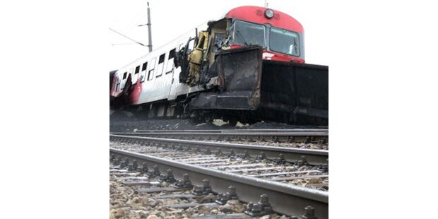 Elf Verletzte bei Zugunglück in NÖ