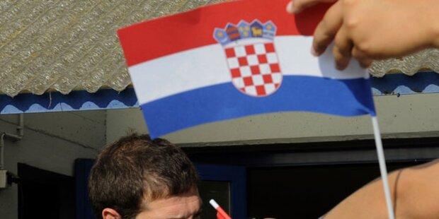 680.000 Unterschriften gegen Kyrillisch übergeben
