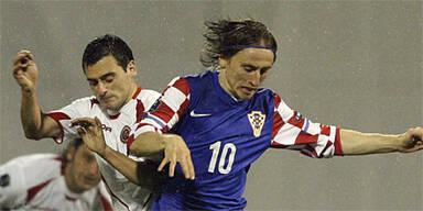 Klare Siege für Kroatien und Finnland