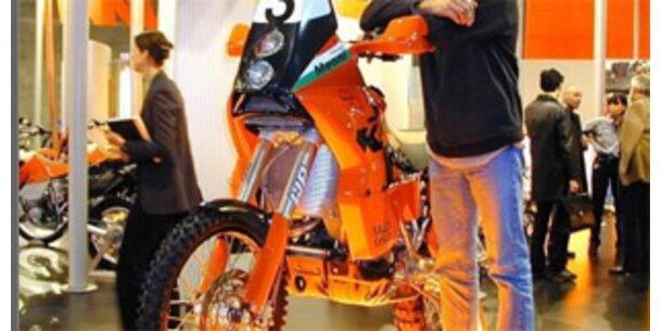 KTM baut 60 Mitarbeiter ab - Gewinn halbiert