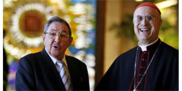 Raul Castro empfängt die Nr. 2 des Vatikan