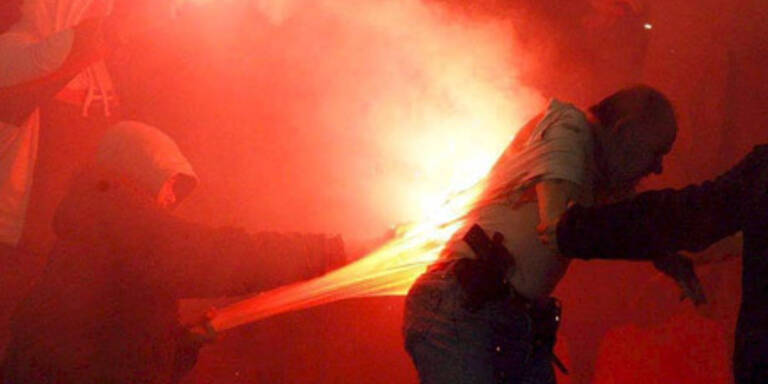 Krawalle bei Fußballspiel in Serbien