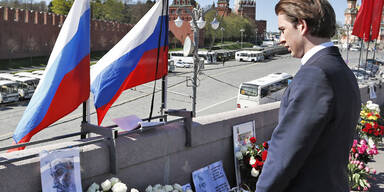 Kurz legte in Moskau Kranz nieder