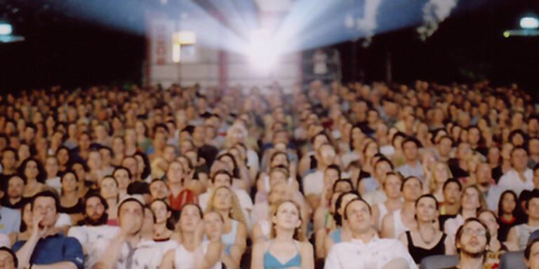 """Publikum bei """"Kino unter Sternen"""""""