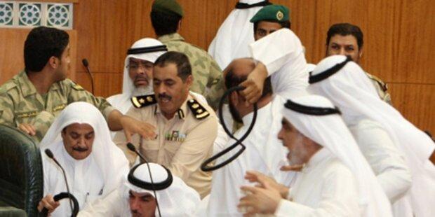 Parlaments-Prügelei bei Terrordebatte