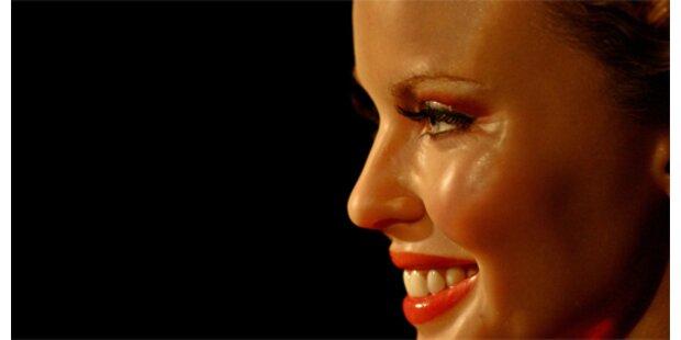 Kylie holt Queen fast ein
