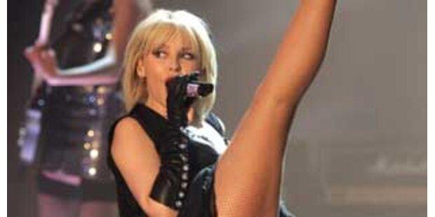 Kylies sexy TV-Auftritt in Graz erregt die Welt
