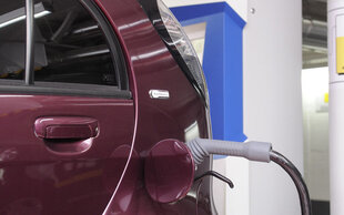 In fünf Ländern : Lade-Netzwerk für Elektro-Autos entsteht