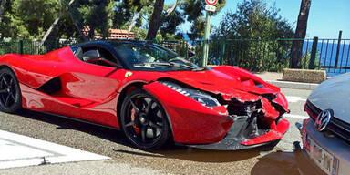 1,5-Millionen-Euro Ferrari gecrasht
