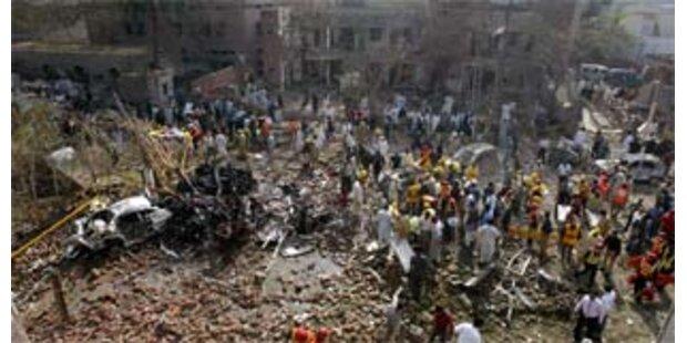 Drei schwere Bombenanschläge in Lahore