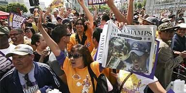 Lakers frenetisch empfangen