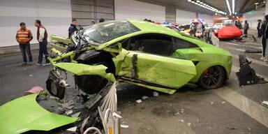 Horror-Crash mit Lambo und Ferrari