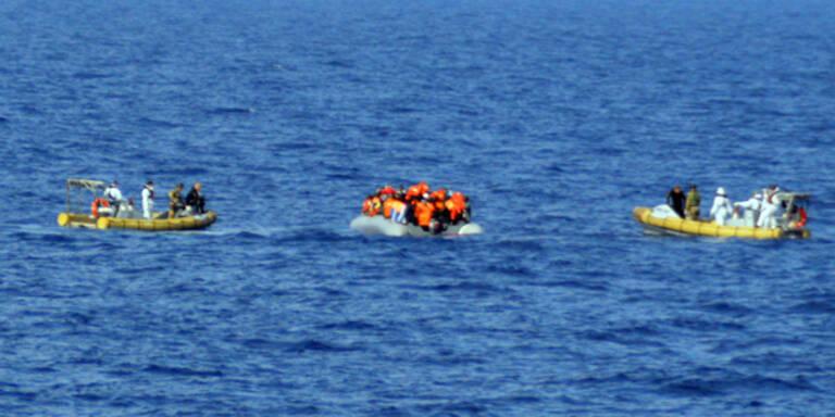 Hunderte Flüchtlinge aus dem Meer gerettet