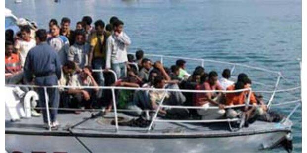 500 Flüchtlinge mit Booten auf Lampedusa gelandet