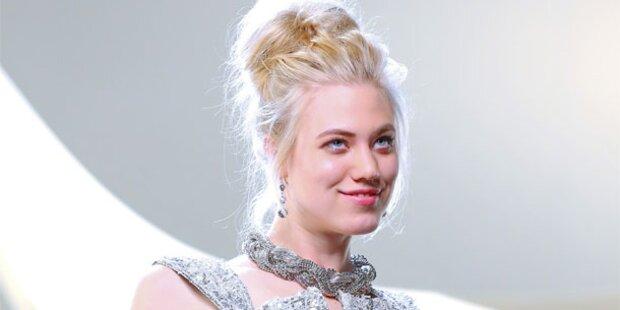 Larissa Marolt (21)