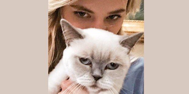 Larissa präsentiert ihre »Grumpy Cat«
