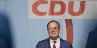 Wahl-Krimi: Laschet holt auf