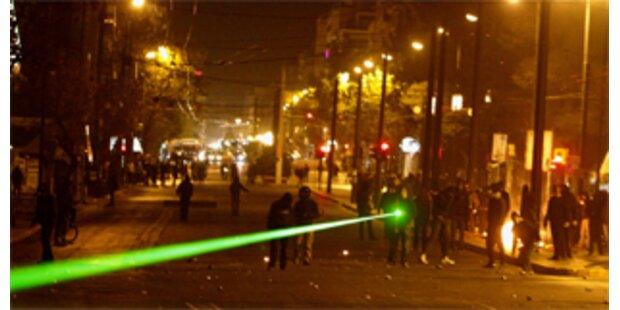 Laserkrieg in Athen ausgebrochen