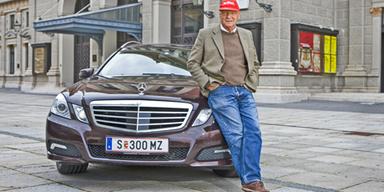 Niki Lauda testet den E250 CDI T