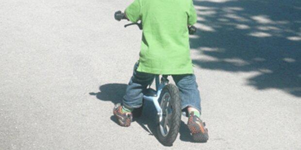 Bub (2) fuhr mit Laufrad von Bayern nach OÖ
