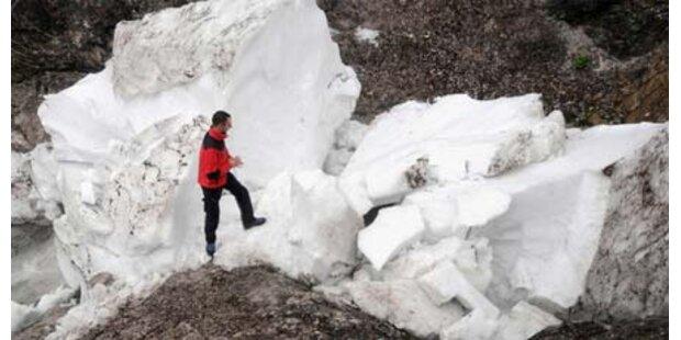 Zwei Tonnen Schnee begruben Schwestern