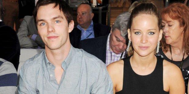 Hoult schwärmt von Jennifer Lawrence