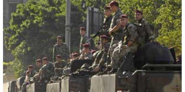 Armee übernimmt Kontrolle über den Libanon