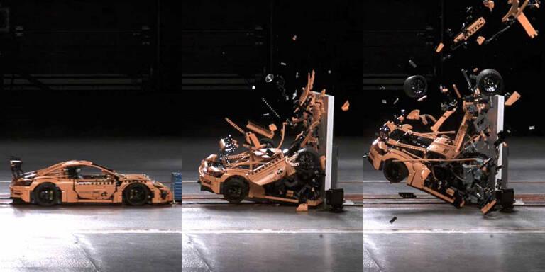 Crashtest von Lego-Porsche wird Internet-Hit