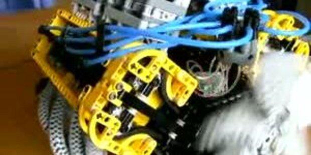Tüftler baut funktionsfähigen V8-Motor aus Lego