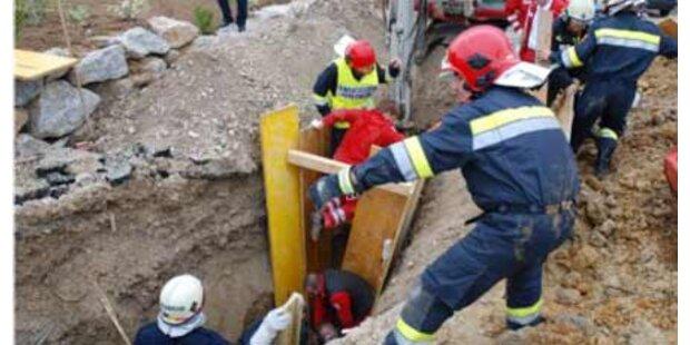 Arbeiter tödlich unter Lehm verschüttet